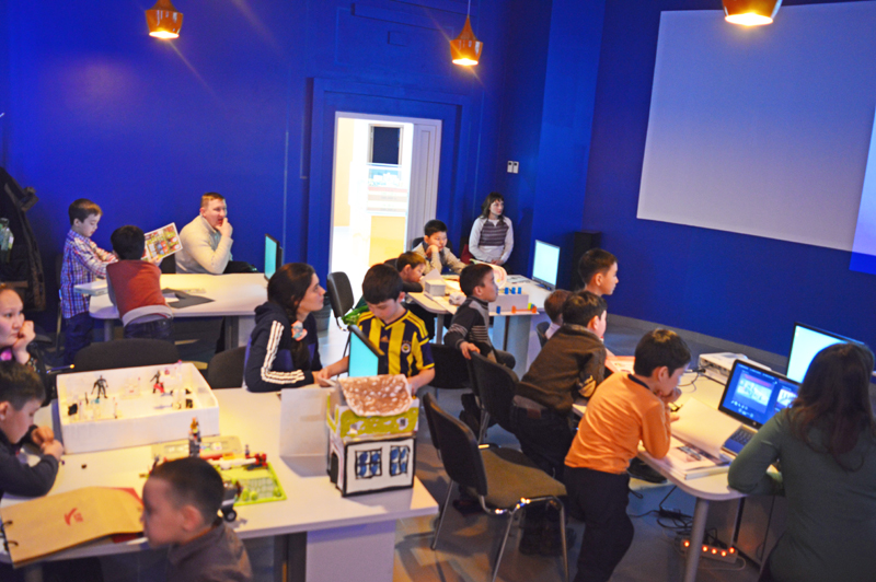 Фото к Защита бизнес-проектов по робототехнике